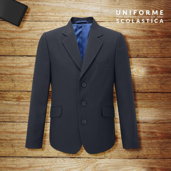 Giacca formale maschio - Una giacca formale maschio 3 bottoni con fodera in colore a contrasto. Spacco posteriore. Tasche con chiusura. Tasche interne con zip.