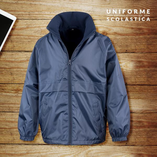 Giacca unisex scuola - Giacca unisex scuola foderata in micropile. Questa giacca dispone di un cappuccio impermeabile ripiegabile. Lavabile in lavatrice.