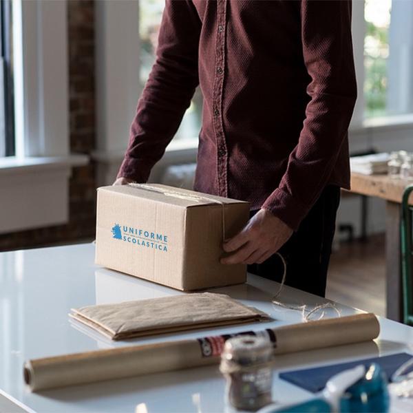 Imballo - Utilizziamo due tipologie diverse di imballo per proteggere al meglio la tua spedizione: il sacchetto e la scatola di cartone.