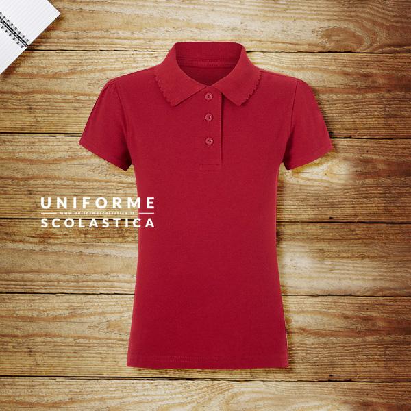 Polo rossa femmina - La polo rossa fammina a manica corta è un capo d'abbigliamento pensato per essere utilizzato ogni giorno dai nostri figli come divisa scolastica.