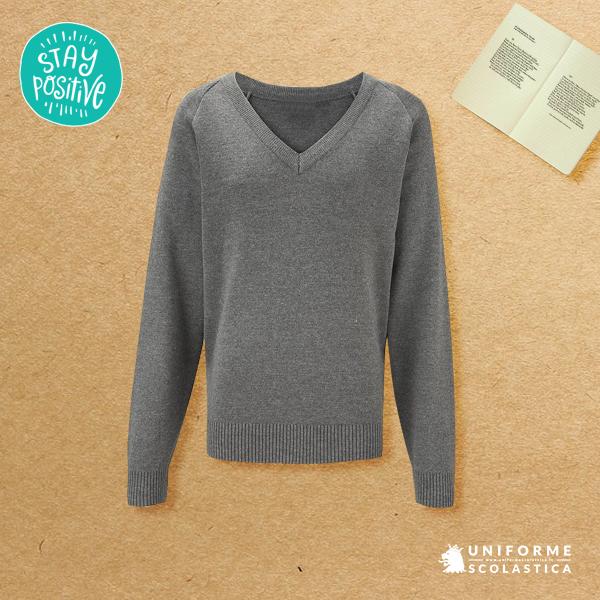 Pullover scollo a V - Il nostro pullover scollo V ha un taglio da capo sartoriale ma lo potete trattare come un pullover da tutti i giorni senza correre il rischio di rovinarlo. Vestibilità aderente e comoda.